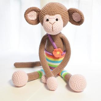 Вязаная мартышка-сплюшка. Игрушка для малыша. Подарок новорожденному.