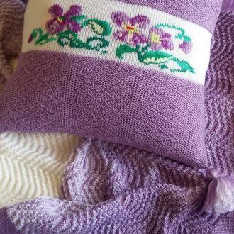 Декоративна в'язана подушка