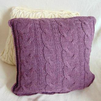 Вязанная подушка из мериноса
