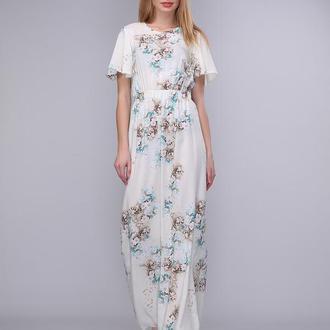 Длинное платье молочного цвета