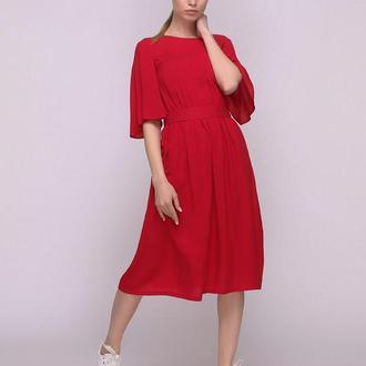 Платье красное с вырезом и завязкой на спинке