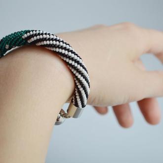 Стильный яркий браслет, зеленый, полосатый, бисер