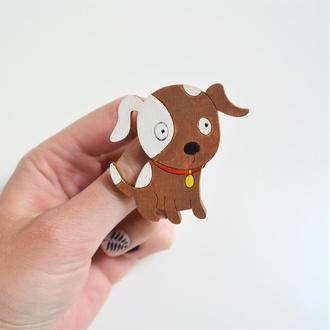 Деревянный значок-брошь Собака