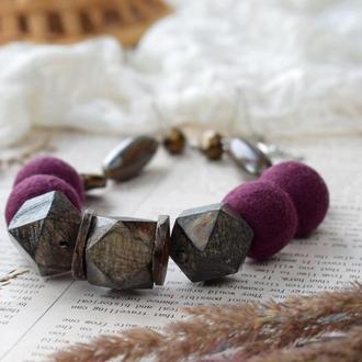 Намисто буси дерев'яні валяні  фіолетова гама стильні коралі ексклюзивний подарунок