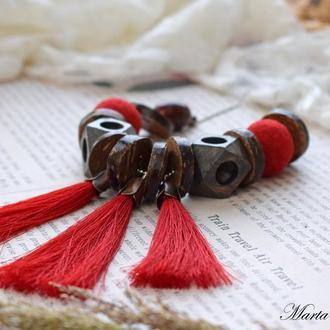 Стильне намисто із шерсті та дерев'яних намистин червоно коричневе ексклюзив подарунок бусы шерсть