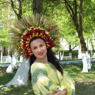Український пишний великий вінок очіпок квіткова корона кокошник з квітами червоний
