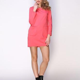 Платье коралловое с накладными карманами