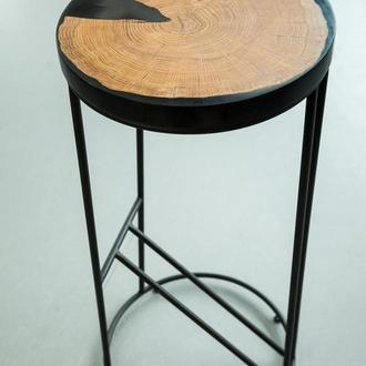 Барный стул с эпоксидной смолой