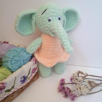 Слоник. В'язаний слоник. Плюшевые игрушки.