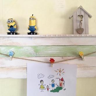 Полочка из сосновых планок  для детской комнаты