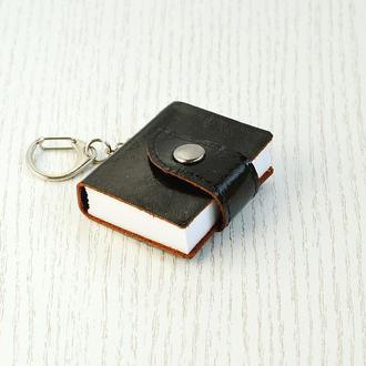 Блокнот-брелок черный, кожа