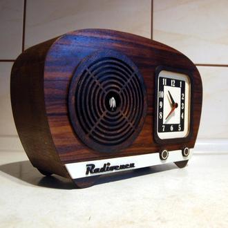 Часы с кукушкой  в виде ретро радио,шпон полисандра