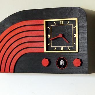 Часы с кукушкой  в виде ретро радио