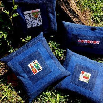 Набор джинсовых подушечек.