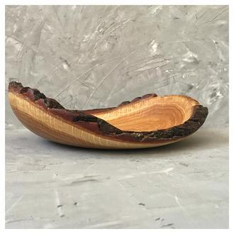 Миска з дерева