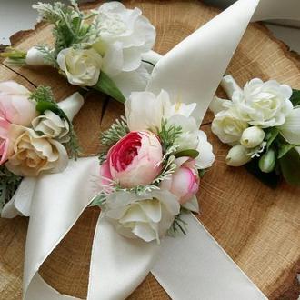 Свадебная бутоньерка с фрезией, Бутоньерка на руку, Бутоньерка для гостей, Бутоньерка для жениха