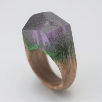 Перстень деревянный со смолой