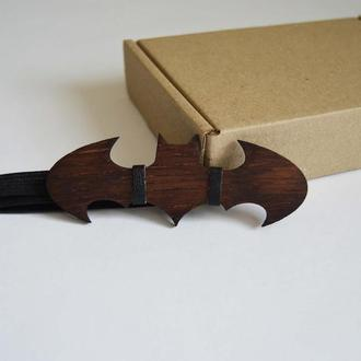Деревянная галстук-бабочка Бетмен