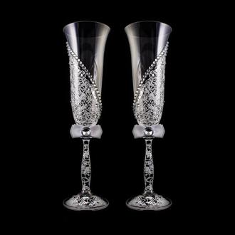 Свадебные бокалы с белой росписью