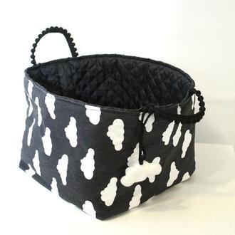 Текстильна корзинка в хмаринки