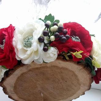 Яркий веночек с пионами Венок с красными и белыми цветами Объемный венок  Украинский веночек