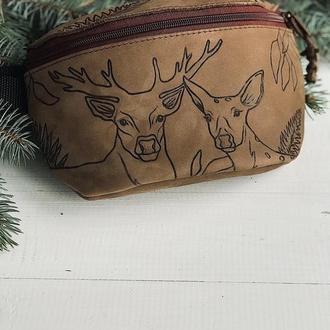 Нубуковая сумка на пояс с рисунком