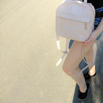 Женский кожаный рюкзак пудра бежевый