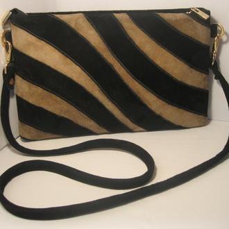 Стильная сумочка из натуральной замши