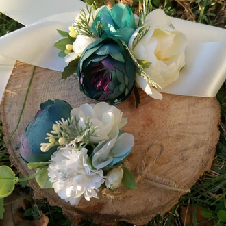 Изумрудная бутоньерка  Свадебные бутоньерки изумруд Бутоньерка на руку с цветами для выпуска