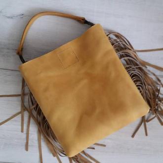 Сумка из натуральной кожи CrazyHorse с бахромой. Цвет желтый. Ручная работа