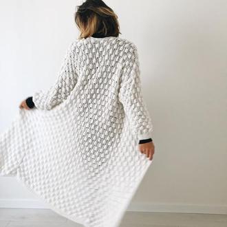 Белый красивый стильный универсальный трендовый кардиган ручной вязки
