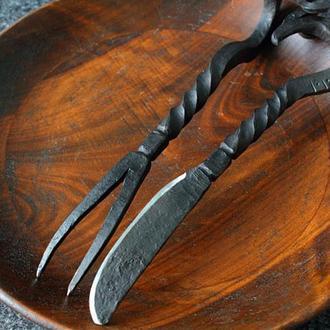 Кованая вилка и нож