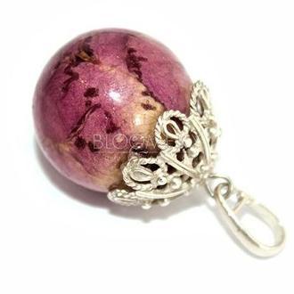 Кулон-шарик с бутоном фиолетовой розы