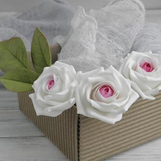 Шпильки с цветами Poзы бело-розовые