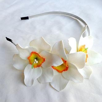 Обруч ручной работы с цветами для волос «Белые Нарциссы»
