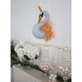 Лебедь белая с персиковыми перьями, декор