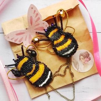 Брошка - пчелки