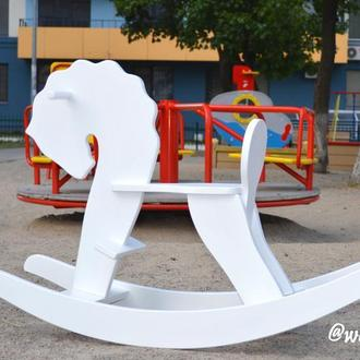 Белая деревянная лошадка-качалка от WoodAsFun