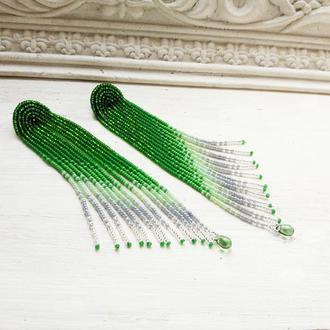 Зелені сережки-китиці, зеленые серьги-кисти, зелено-серебристые бисерные серьги