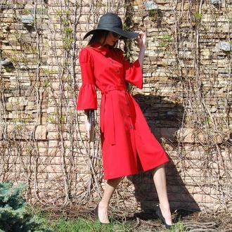 Дизайнерское красное платье