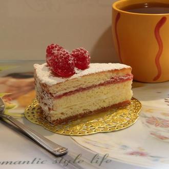 """Мыло """"Бисквитный торт с малиной"""""""