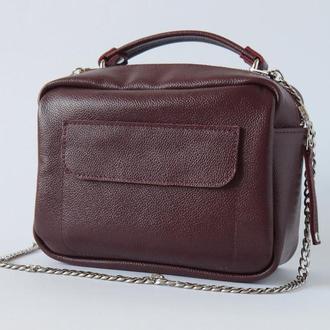 Женская сумка через плечо на цепочке (марсала)