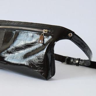Стильная женская сумка на пояс (бананка) из натуральной кожи