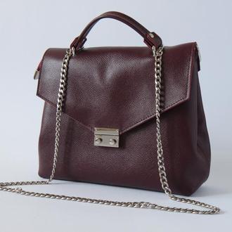 Стильная женская сумка (кожа) цвета марсала