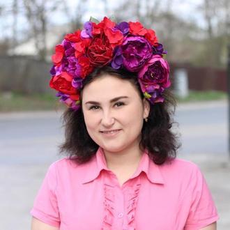 Венок на голову красно фиолетовый,с объемными пионами