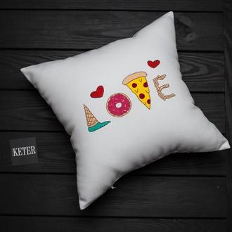 """Подушка """"Люблю Вкусняшки"""""""