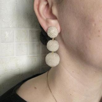 Кремовые серьги бон бон из бисерных шариков