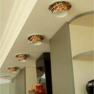 Врезной светильник на кухню из фарфоровой чашки