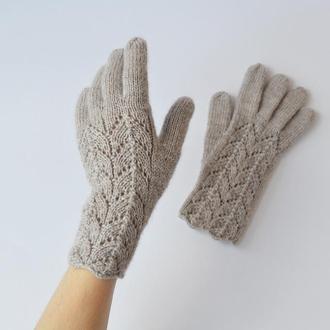Женские перчатки с ажурным узором