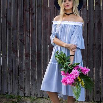 Сукня блакитна.
